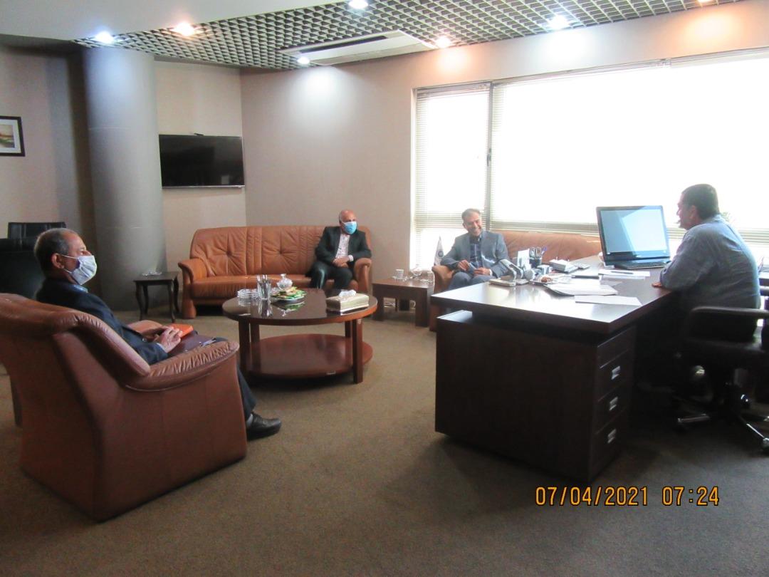 ملاقات با جناب آقای مهندس رازقی رئیس محترم اتاق بازرگانی ،صنایع ،معادن وکشاورزی استان فارس